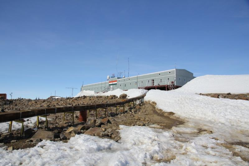 maitri indian expedition to antarctica Search words: wintering stations in antarctica, research stations in antarctica,  antarctica  2, maitri, india, permanent, 70°45'57s, 11°44'09e  russian  antarctic expedition (arctic & antarctic research institute includes.